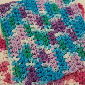 Flower Dish Cloth Crochet Pattern | FaveCrafts.com